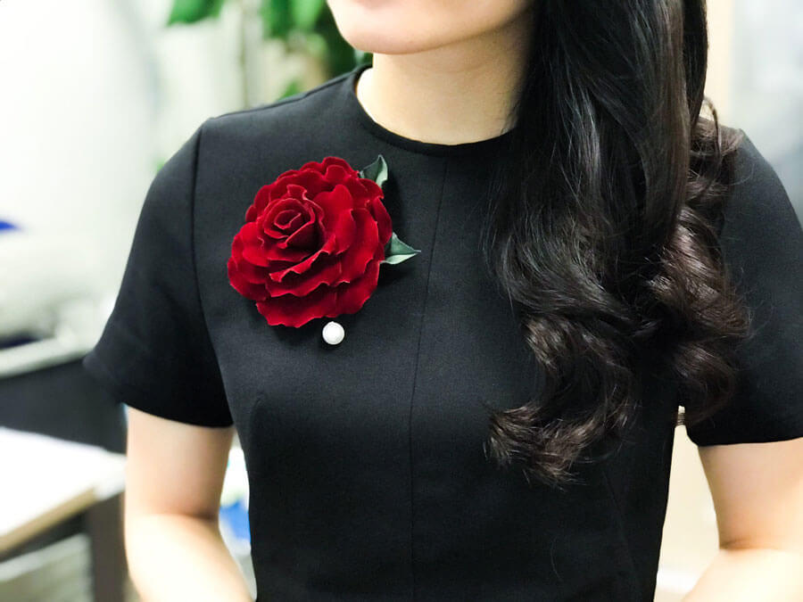 5 Cool Ways To Style Your Brooch