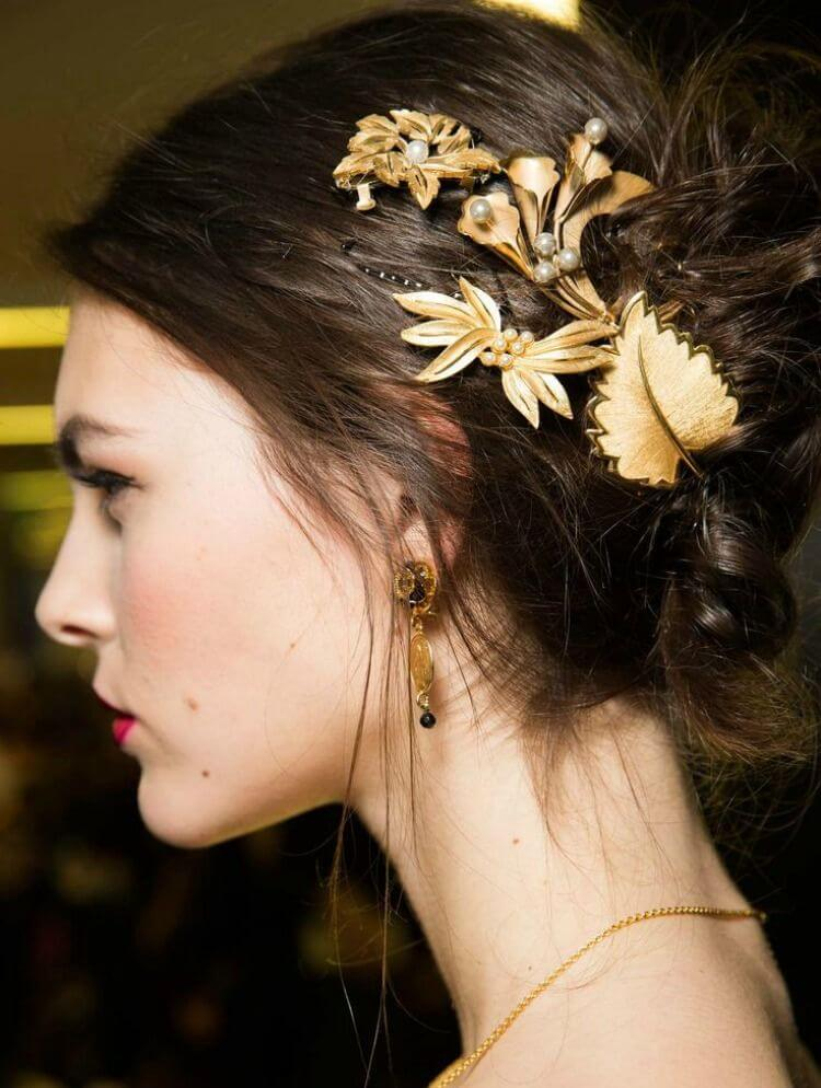 8 Ways To Style Your Brooch