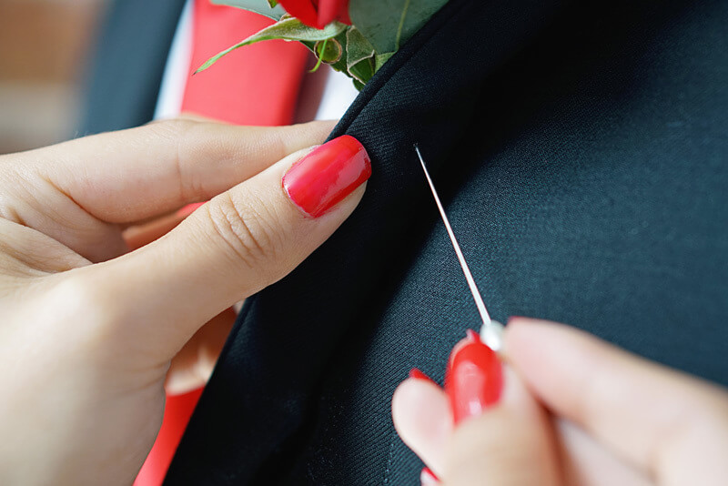 5 Simple Ways To Wear Pins And Brooches on your Shirt and Suits