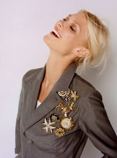 7 Ways To Use Brooches You Don't Want To Miss This!