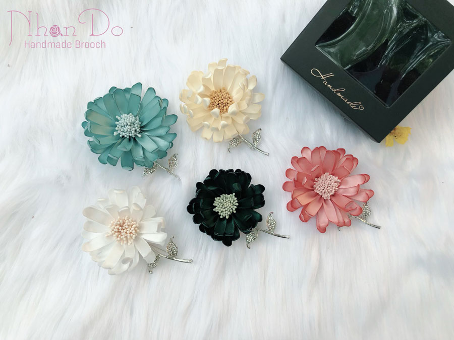 Where To Buy brooches? - Simple Accessories Create Your Own Style