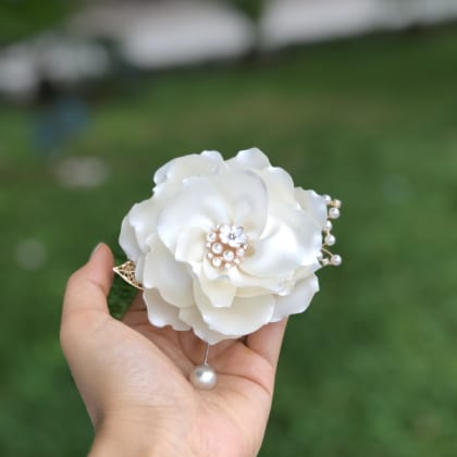 Off-white Silk Fabric Jasmine Flower Brooch Pins For Women