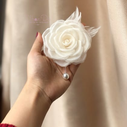 ND62 Basic Silk Rose Brooch Pins – Combo white and cream